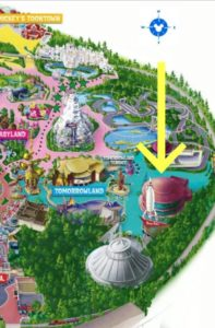 Map of Tomorrowland at Disneyland with an Arrow pointing to Jedi Training sign up location
