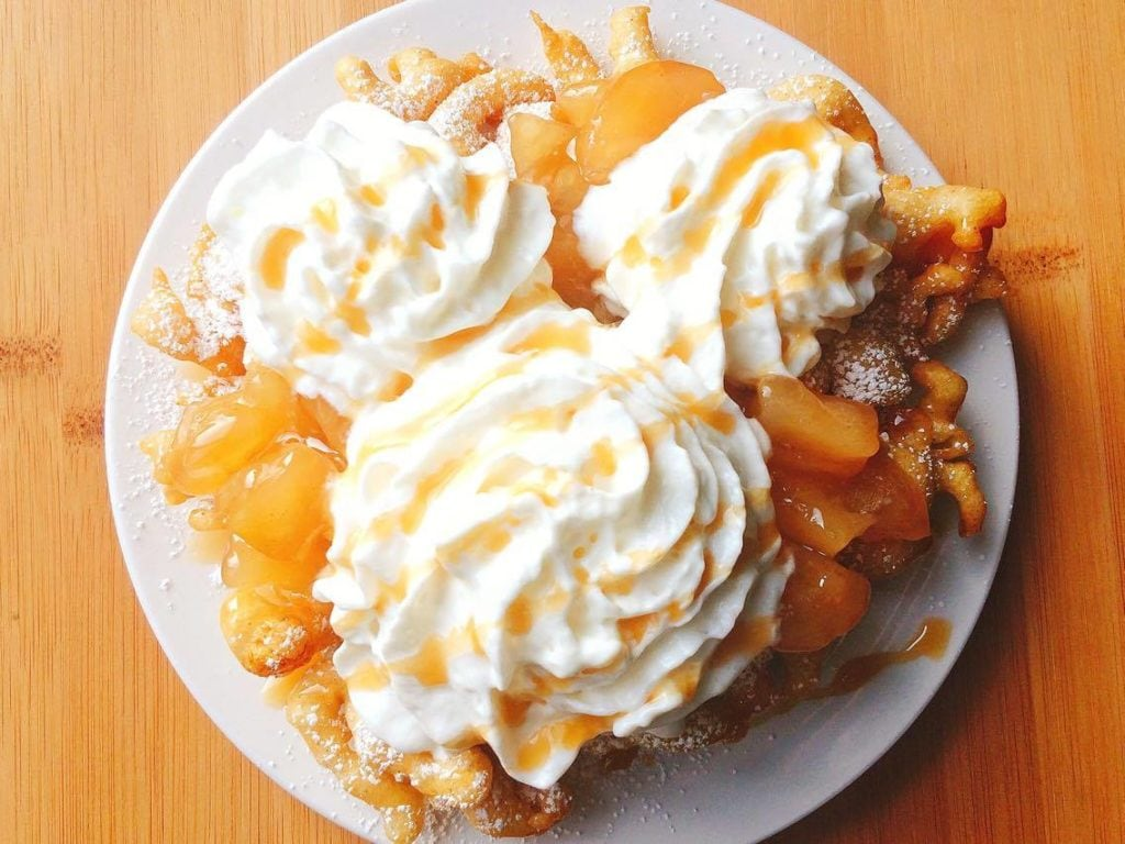 Disneyland S Apple Pie Funnel Cake The Mommy Mouse Clubhouse