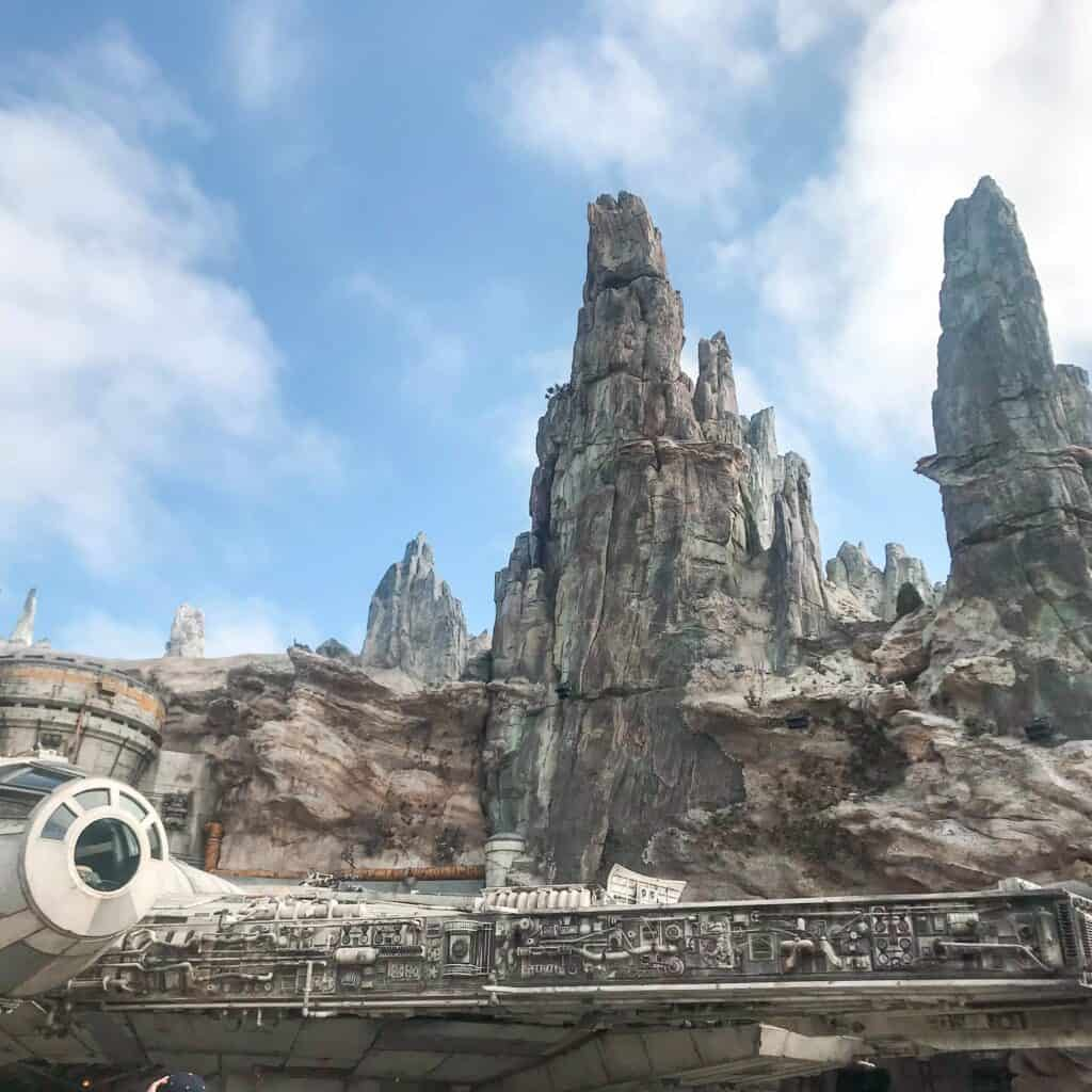 Millenium Falcon Smugglers Run Star Wars: Galaxy's Edge