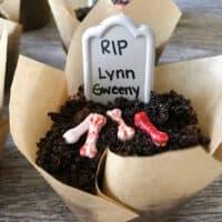 Disneyland Graveyard Cupcakes