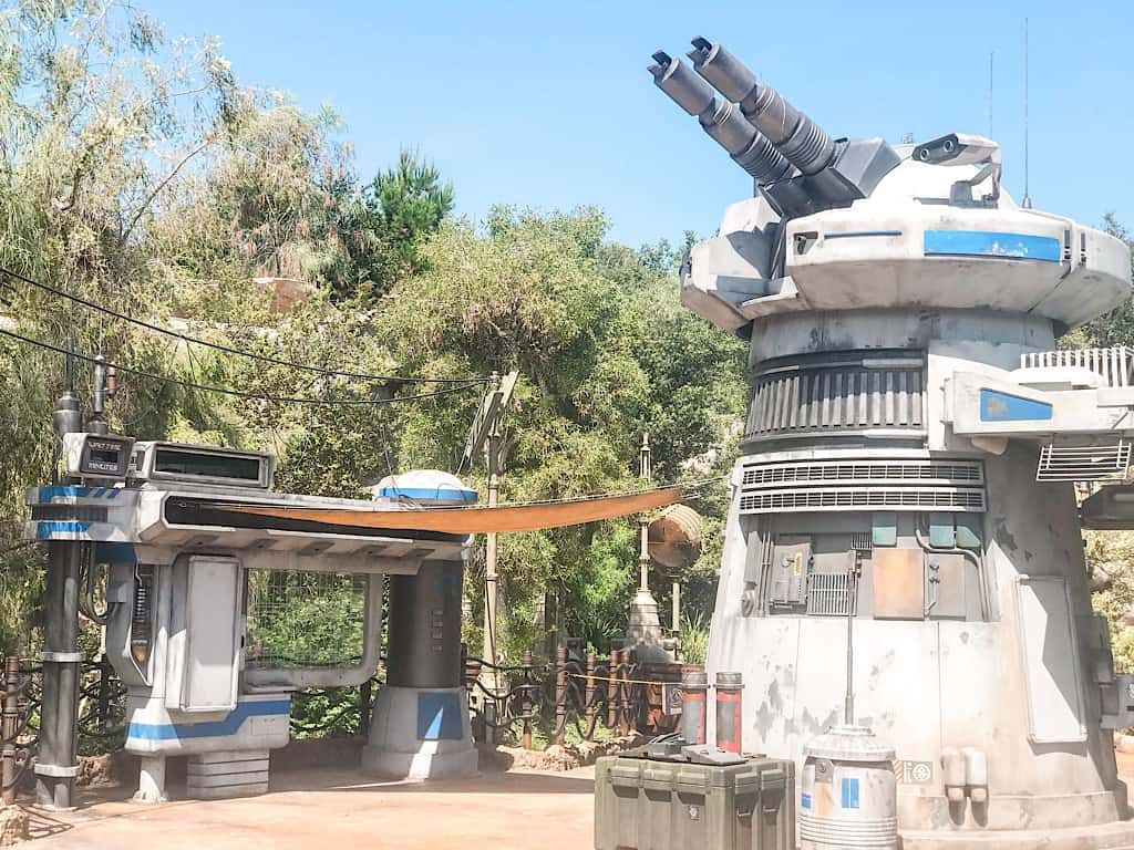 Rise of the Resistance Star Wars Galaxy's Edge Disneyland