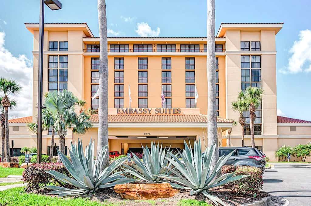 Front Entrance Embassy Suites Orlando International Drive