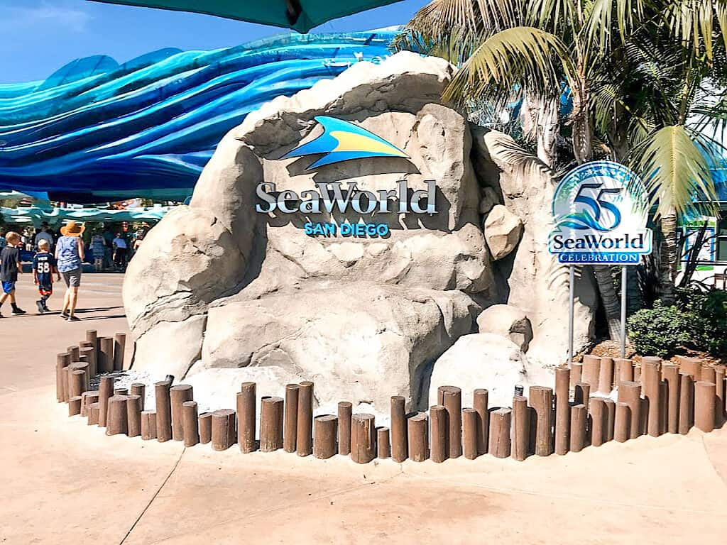 Sea World San Diego Sign