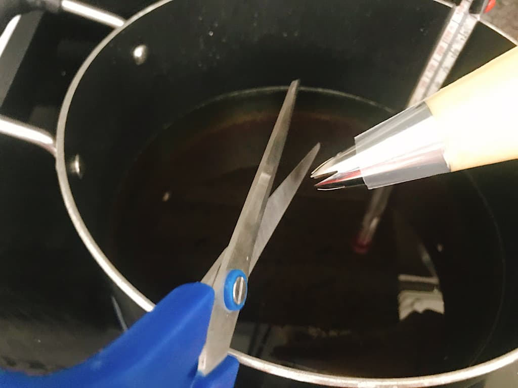 Scissors to cut churro dough