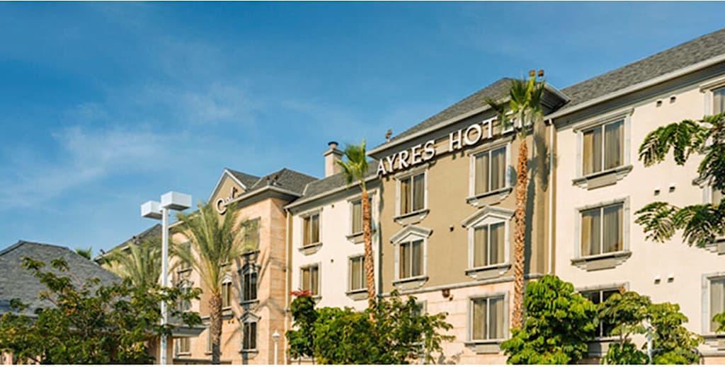 Ayers Hotel Anahim