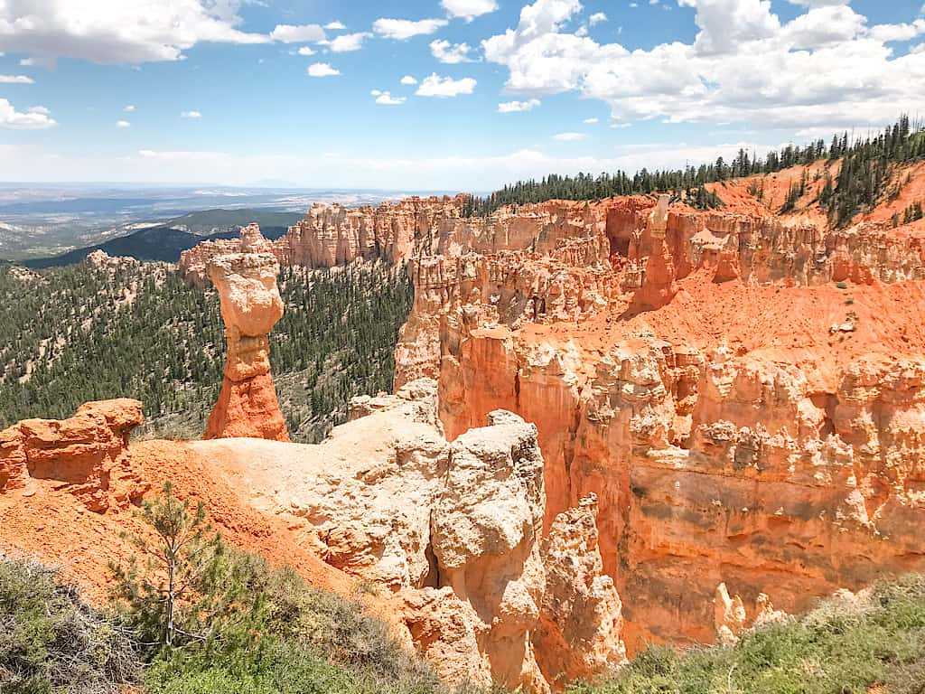 Agua Canyon landmark at Bryce Canyon National Park with Kids