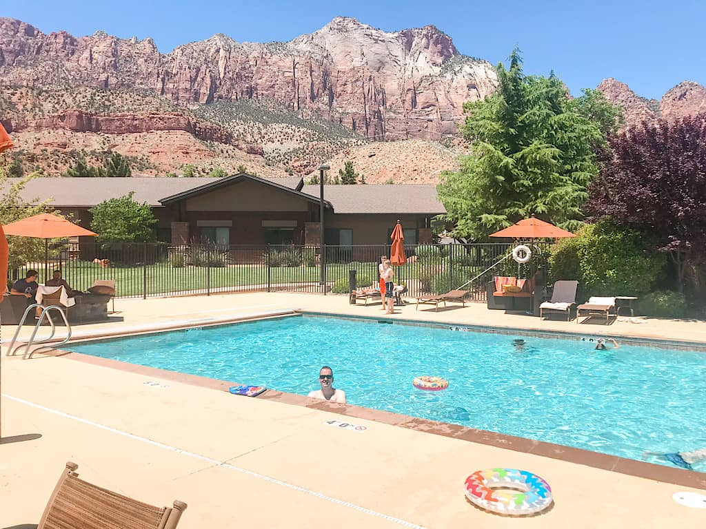 Swimming pool at Hampton Inn & Suites Springdale near Zion National Park