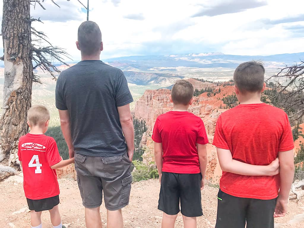 Rainbow Point overlook at Bryce Canyon with kids