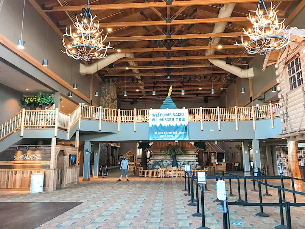 Lobby of Great Wolf Lodge Washington