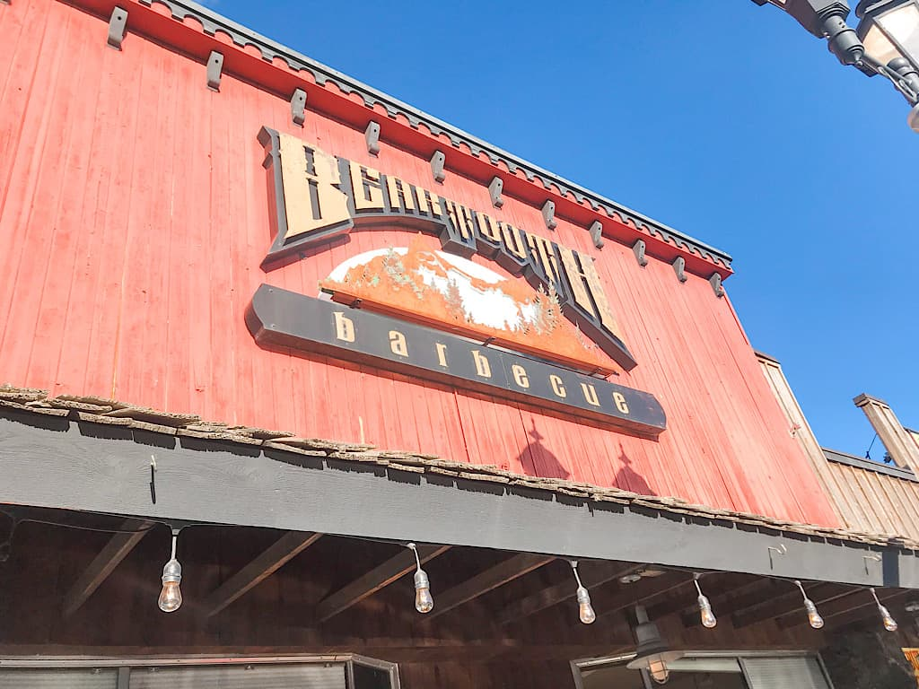 Beartooth Barbecue building in West Yellowstone, Montana