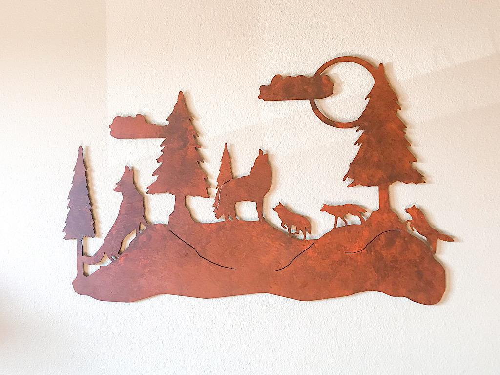 Wall decoration in Grand Bear Suite