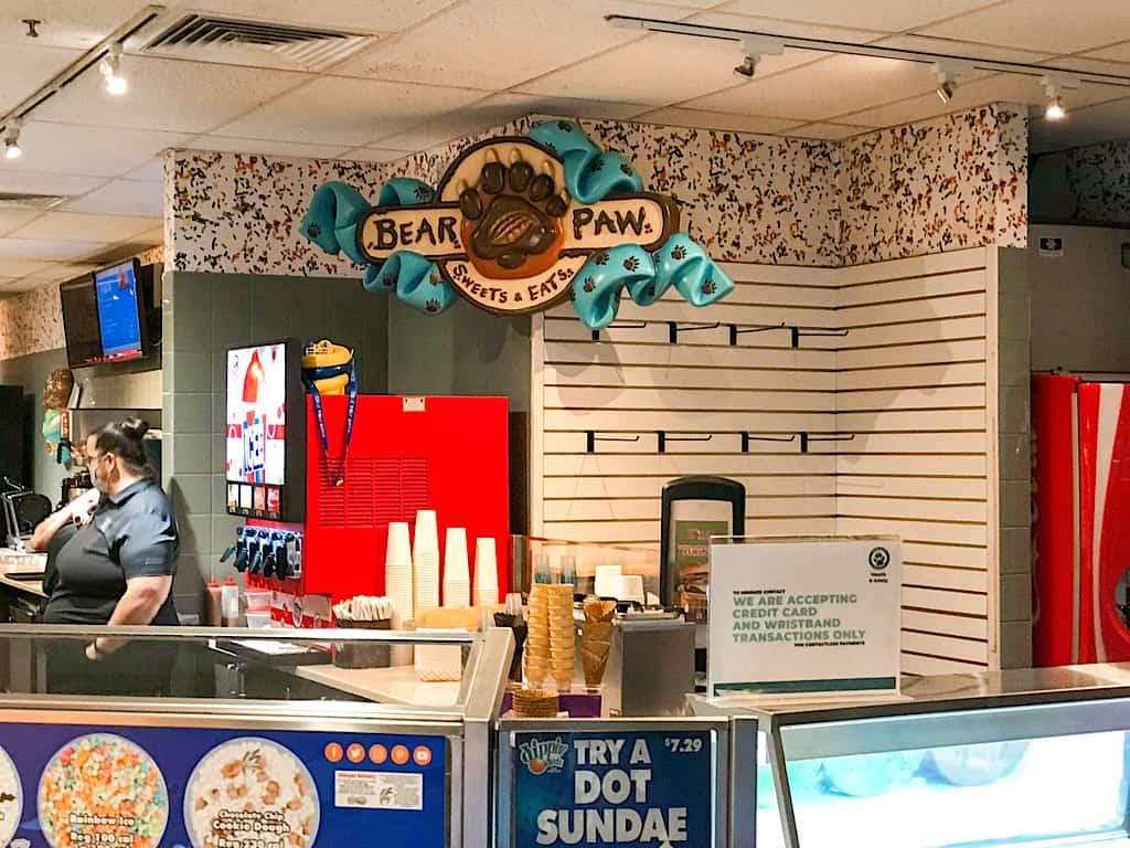 Bear Paw Sweets & Eats ice cream shop inside Great Wolf Lodge Grand Mound, Washington