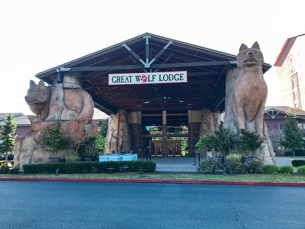 Entrance to Great Wolf Lodge Grand Mound,