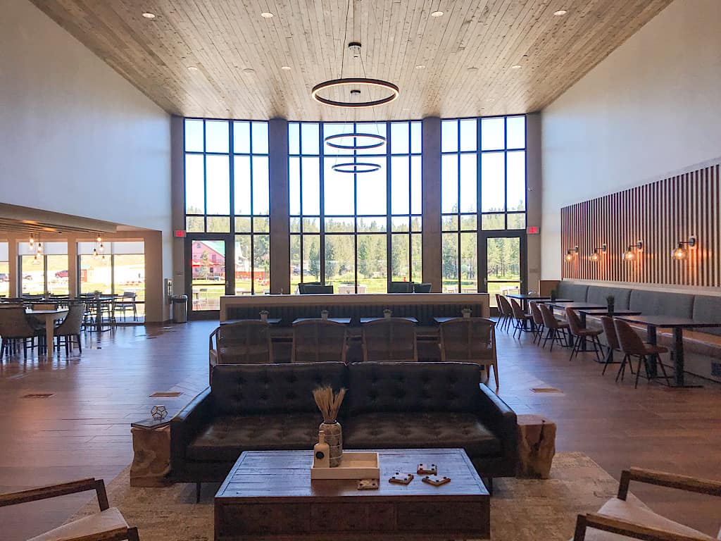 Lobby of Springhill Suites Island Park