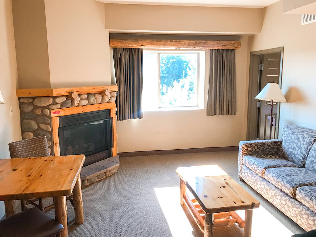 Living room of Grand Bear Suite at Great Wolf Lodge in Grand Mound, Washington
