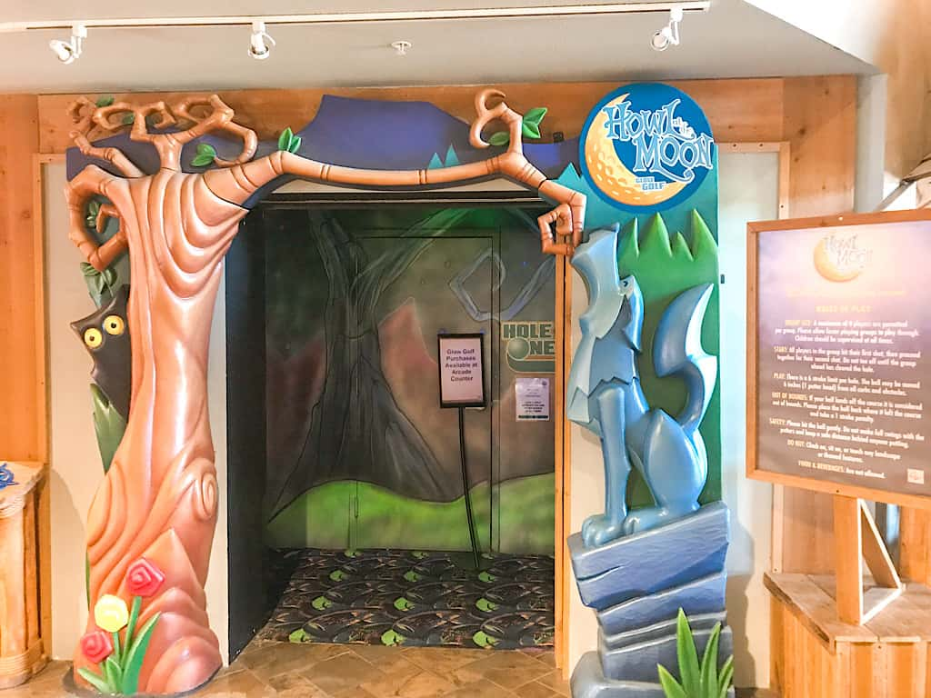 Mini golf included with wolf pass at great wolf lodge washington