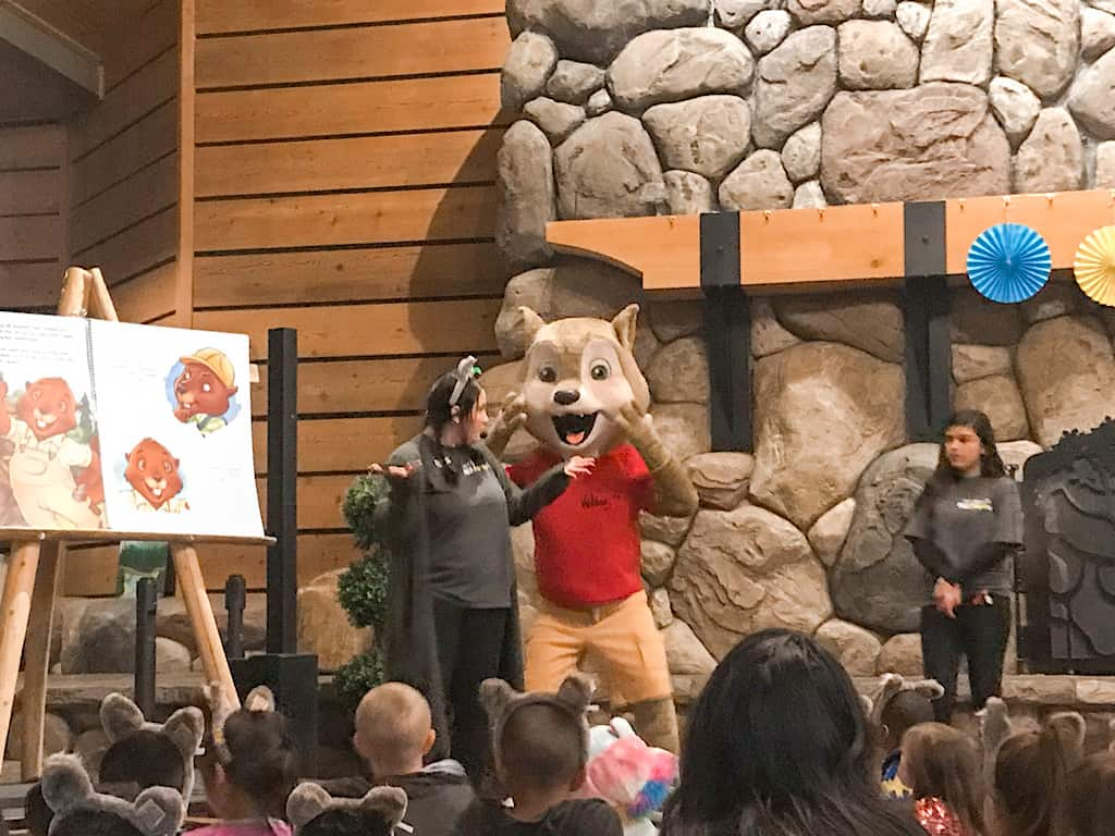 Story time at Great Wolf Lodge Southern California