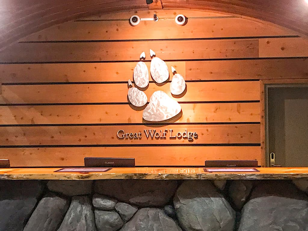 Front Desk of Great Wolf Lodge Southern California