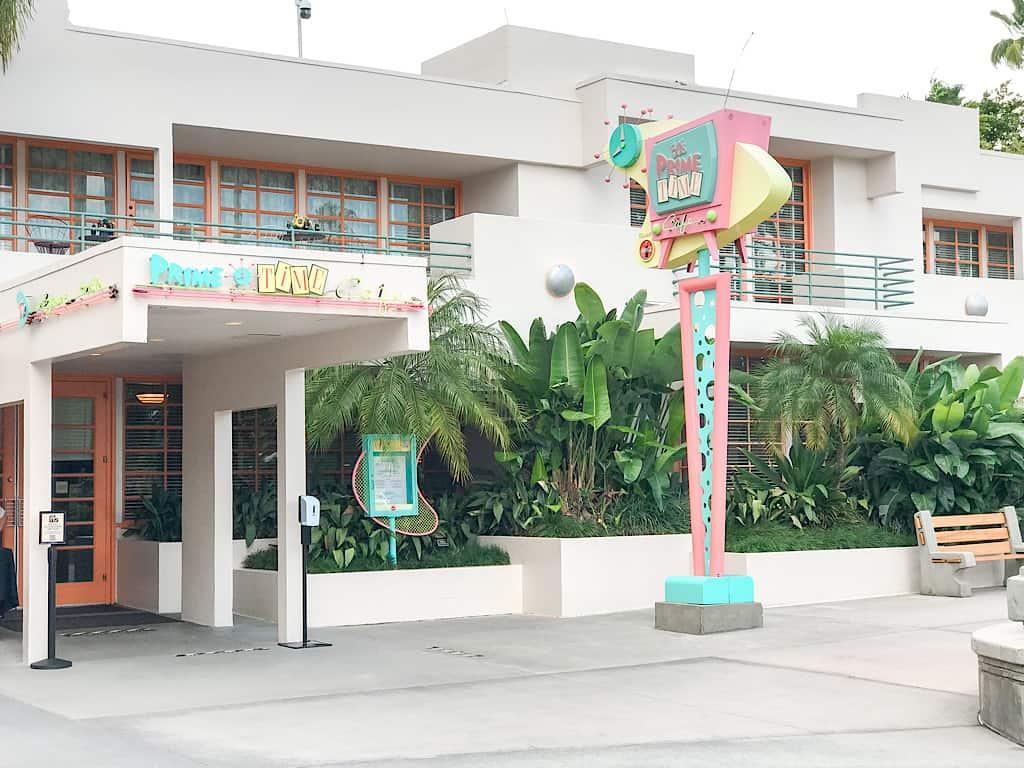 Entrance to 50's Prime Time Cafe at Disney World
