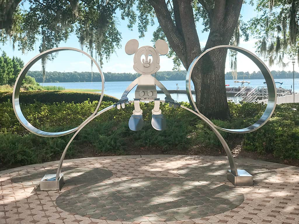 Picture spot with Mickey at Contemporary Resrot