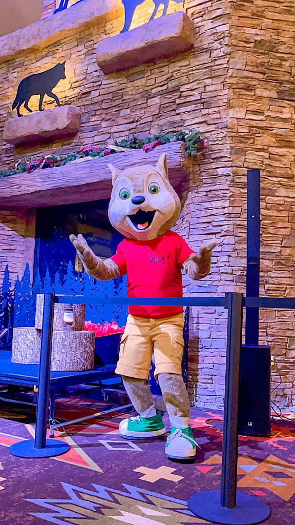 Wiley Wolf smiling in story time at Great Wolf Lodge during COVID