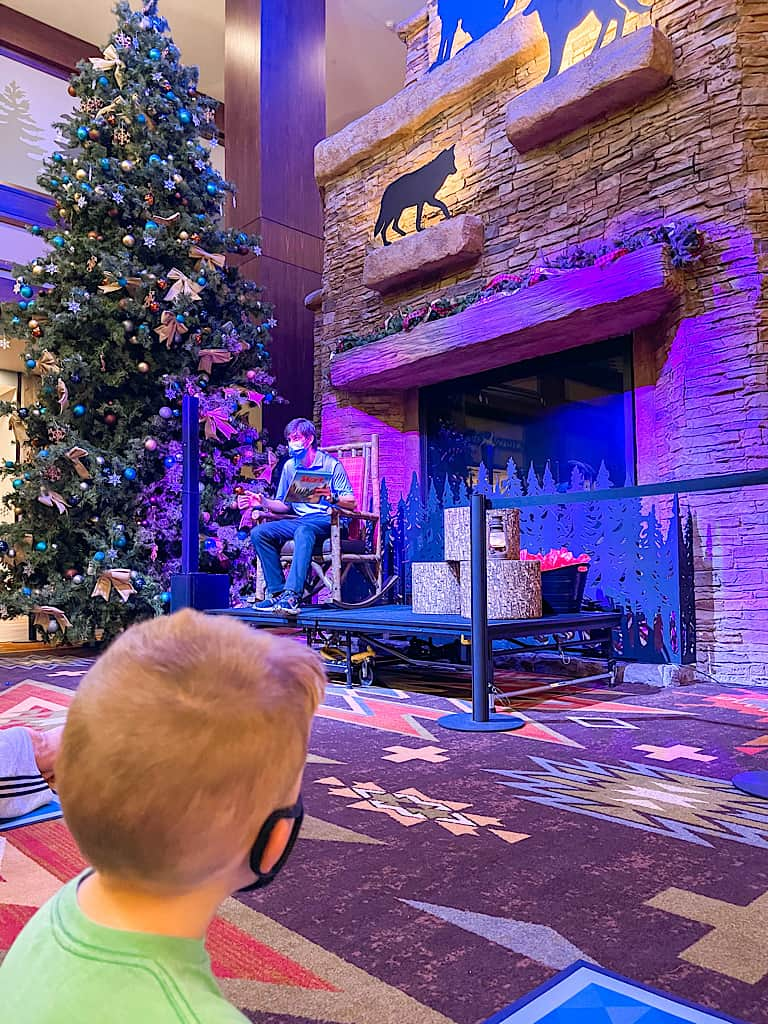 Story time at Great Wolf Lodge
