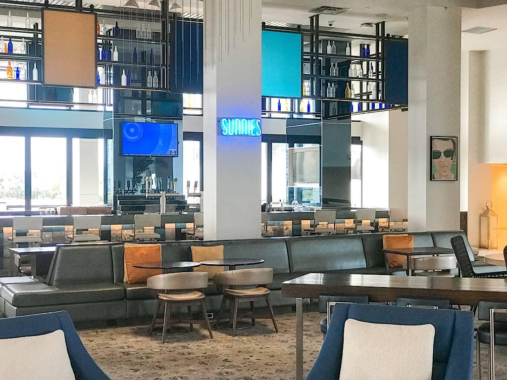 Sunnies Restaurant insinde Hilton in Orlando