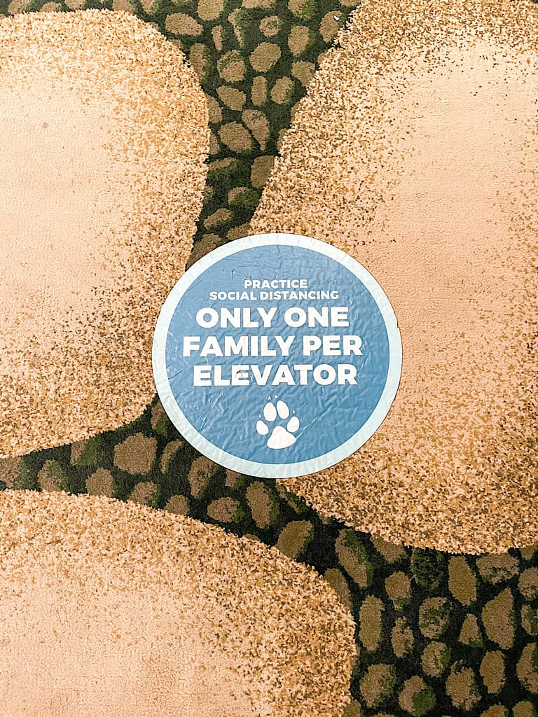 Only one family per elevator sign at Great Wolf Lodge