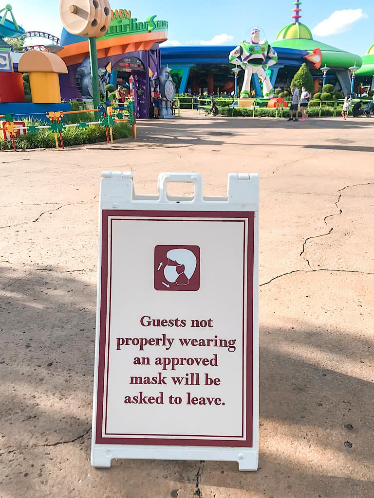 Mask requirement sign at Hollywood Studios