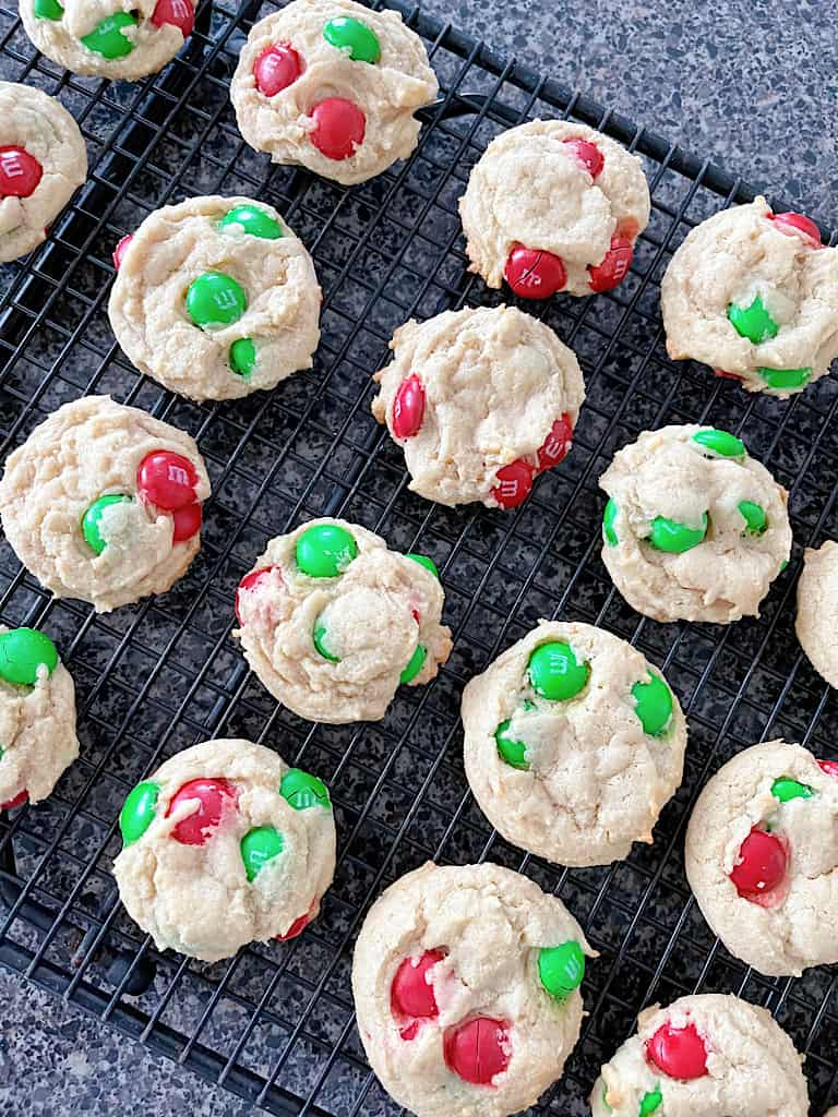 Allow the cookies to rest on the baking sheet for 5 minutes and then transfer them to a baking sheet.