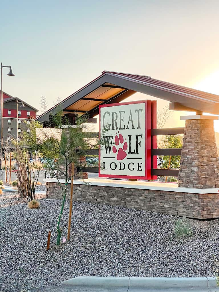 Entrance sign to Great Wolf Lodge Arizona