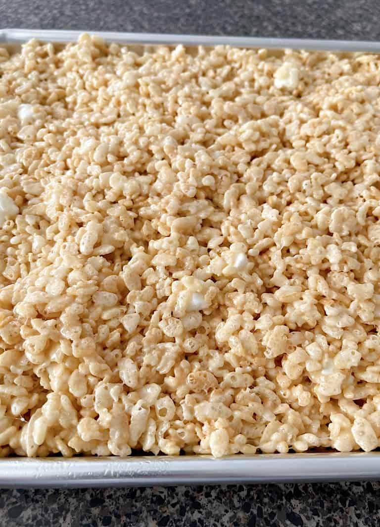 A close up picture of Rice Krispie Treats.