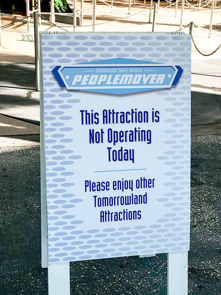 A sign showing that PeopleMover at Disney World is closed.