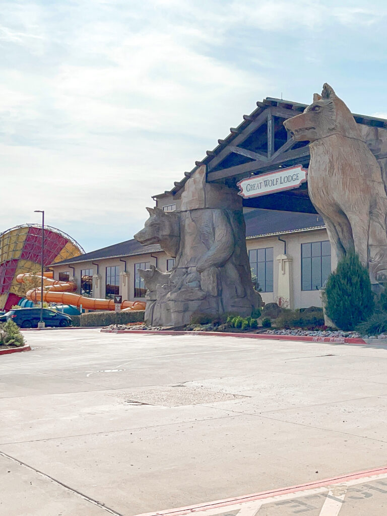 Entrance to Great Wolf Lodge in Grapevine Texas.