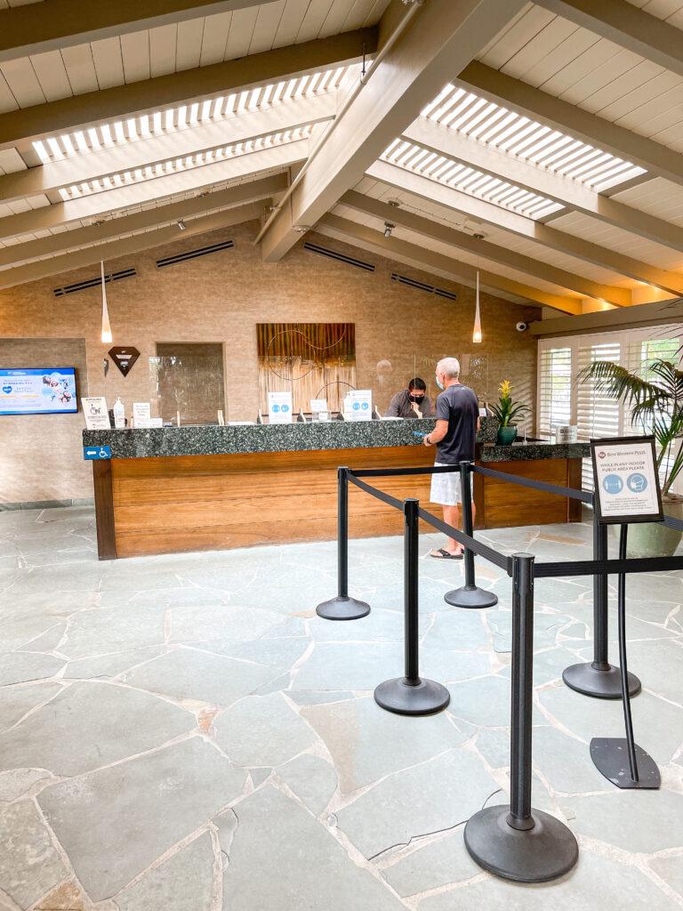 Best Western Island Palms Lobby