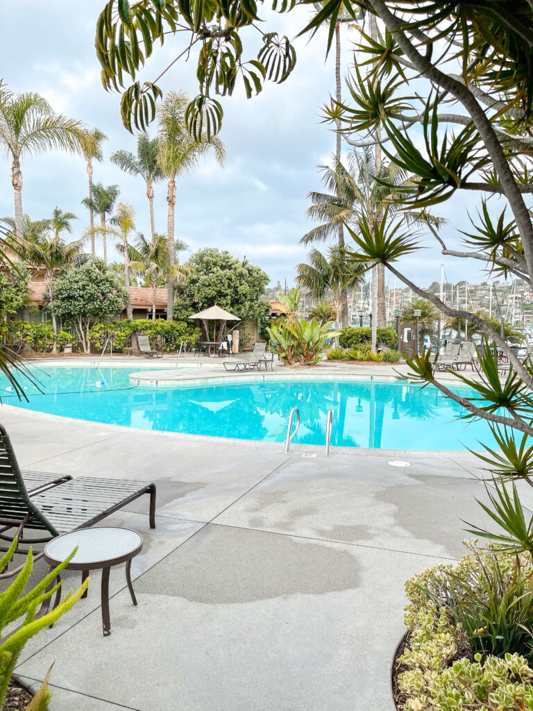 Swimming pool and hot tub at Best Western Island Palms Hotel.