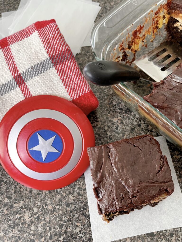 Choco-Smash Candy Bar Brownies (Snickers Brownies).