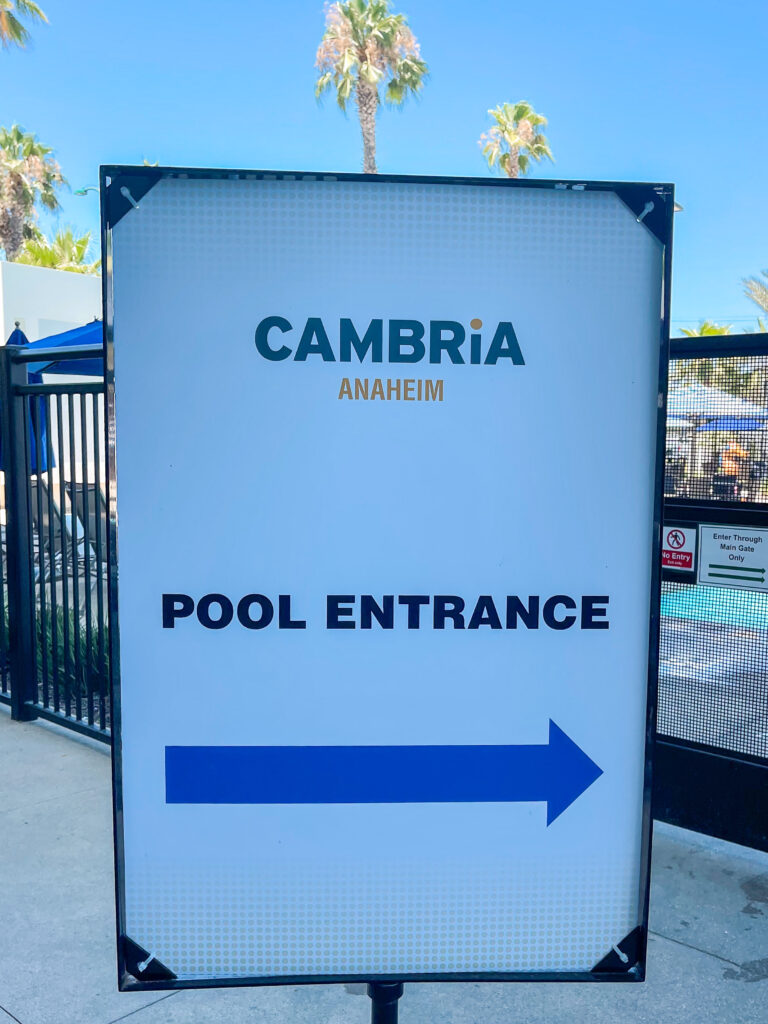 Pool entrance sign.