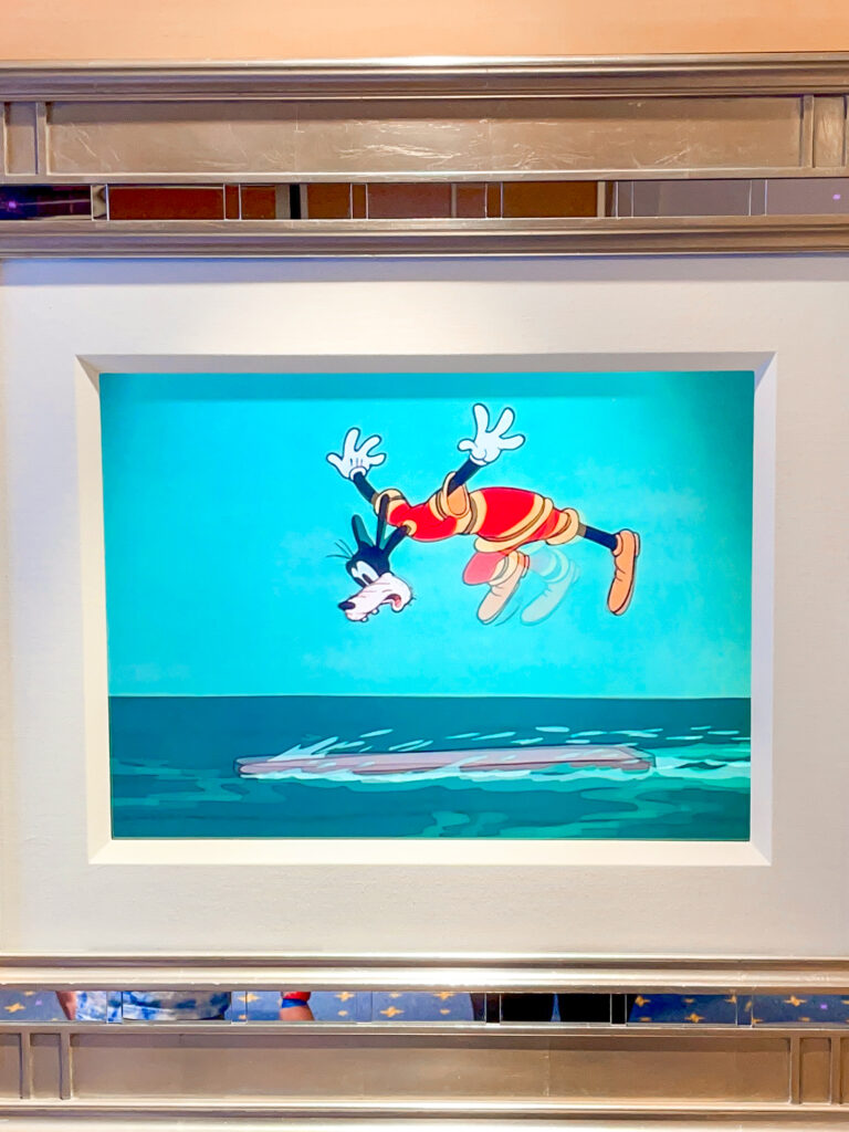 Animated picture of Goofy on the Disney Dream.