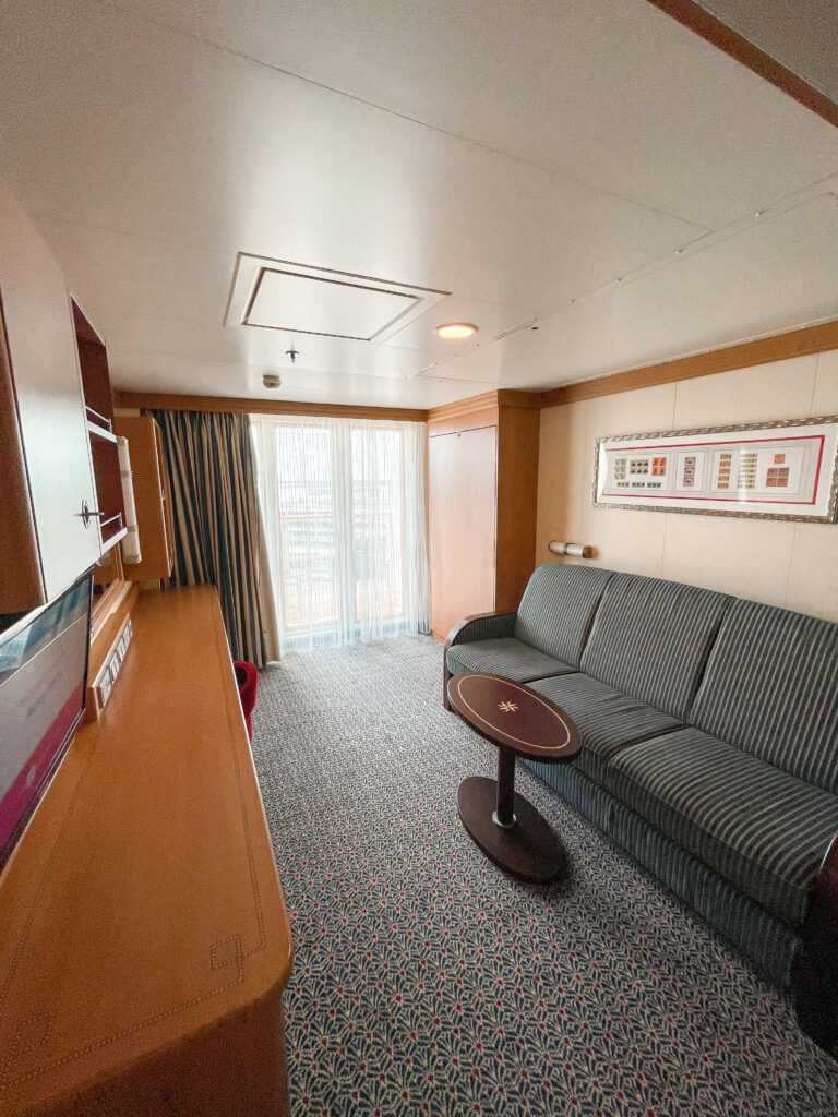 Sitting area of stateroom 8614 on the Disney Dream.