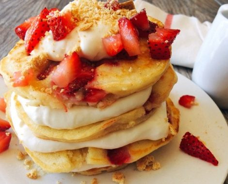 Pancakes with cheesecake topping and strawberries